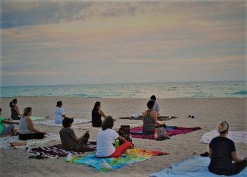 yoga-beach-sunset-practice-peace-nature-exercise